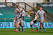 Sale Sharks scrum-half Faf De Klerk catches a high ball during a Gallagher Premiership Round 13 Rugby Union match, Saturday, Mar. 13, 2021, in Northampton, United Kingdom. (Steve Flynn/Image of Sport)