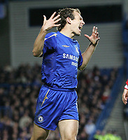 Photo: Lee Earle.<br /> Chelsea v Middlesbrough. The Barclays Premiership.<br /> 03/12/2005. Chelsea's Arjen Robben shows his frustration after going close.