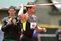 Olympic Trials Eugene 2012: men's javelin, former champion but injured Mike Hazle takes ceremonial run with javelin