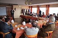 Presentaties in restaurant.Land- en Zeezicht, schitterend gelegen aan het eind van de veerdam in Holwerd. De presentaties vonden plaats in het kader van het werkbezoek  van deltacommissaris Wim Kuijken aan het Friese en Groningse Waddengebied.