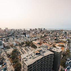 Vista aérea da cidade Luanda, capital de Angola. Largo Primeiro de Maio