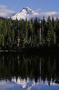 USA, Oregon, Jefferson Wilderness, Crown Lake, Mt. Jefferson,