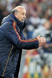 07-07-2010 VOETBAL: FIFA WORLDCUP 2010 SPANJE - DUITSLAND: DURBAN<br /> Halve finale WC 2010 - Spanje wint met 1-0 van Duitsland /  Spanish Coach Vicente Del Bosque<br /> ©2010-FRH- NPH/ Kokenge (Netherlands only)