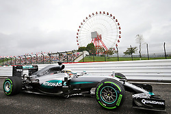 Lewis Hamilton (GBR) Mercedes AMG F1 W07 Hybrid.<br /> 08.10.2016. Formula 1 World Championship, Rd 17, Japanese Grand Prix, Suzuka, Japan, Qualifying Day.<br /> Copyright: Moy / XPB Images / action press