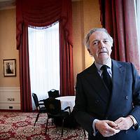 Nederland,Amsterdam ,1 februari 2008...Edouard Carmignac gefotografeerd in het Amstel hotel..Carmignac Gestion is een onafhankelijke beheerder met zetel in Parijs, in 1989 opgericht door Eduard Carmignac. Het is een van de belangrijkste onafhankelijke maatschappijen in Frankrijk. Carmignac Gestion beheert op dit moment ongeveer 3,8 miljard euro.
