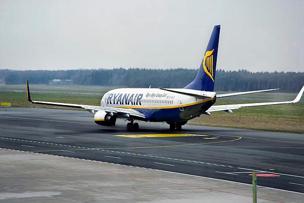 Duitsland, Weeze, 27-3-2008 ..Vlak over de grens bij Nijmegen ligt het regionaal vliegveld Niederrhein, wat sinds vijf jaar uitgegroeid is tot een belangrijke regionale luchthaven die als thuisbasis fungeert voor chartermaatschappij Ryanair...Foto: Flip Franssen/Hollandse Hoogte