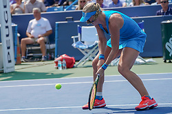 August 19, 2018 - Mason, Ohio, USA - Kiki Bertens (NED) hits an approach shot during Sunday's final round of the Western and Southern Open at the Lindner Family Tennis Center, Mason, Oh. (Credit Image: © Scott Stuart via ZUMA Wire)