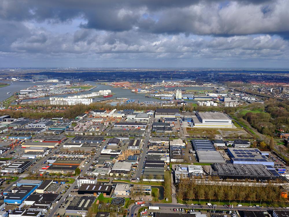 Nederland, Zuid-Holland, Dordrecht, 25-02-2020; Industriegebied West Dordrecht met deelgebieden Dordse Kil I en Dordse Kil II. Havengebied Dordrecht in de achtergond.<br /> Industrial area West Dordrecht with sub-areas Dordtse Kil I and Dordtse Kil II. Dordrecht port area in the background.<br /> luchtfoto (toeslag op standard tarieven);<br /> aerial photo (additional fee required)<br /> copyright © 2020 foto/photo Siebe Swart