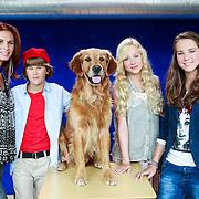 NLD/Hilversum/20130822 - Cast nieuwe TROS-jeugdserie CAPS CLUB, Lucille Werner, Daan de Groot, Eefje Paddenburg, Leonie Elbert, Leontine Borsato - Ruiters