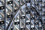 Broadgate Exchange House, London. Architect: Skidmore, Owings & Merrill. Built 1990. Detail of facade showing parabolic segmented tied arches spanning the full 78m across the railway tracks entering Liverpool Street Station.
