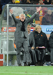 11-07-2010 VOETBAL: FIFA WK FINALE NEDERLAND - SPANJE: JOHANNESBURG<br /> Bert Van Marwijk <br /> EXPA Pictures © 2010 EXPA/ InsideFoto/ Perottino - ©2010-WWW.FOTOHOOGENDOORN.NL<br /> *** ATTENTION *** FOR NETHERLANDS USE ONLY!