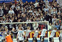 Fotball Tippeligaen 28.09.06 Rosenborg - Tromsø 2-1<br /> Supportere og spillere etter kamp<br /> Foto: Carl-Erik Eriksson, Digitalsport
