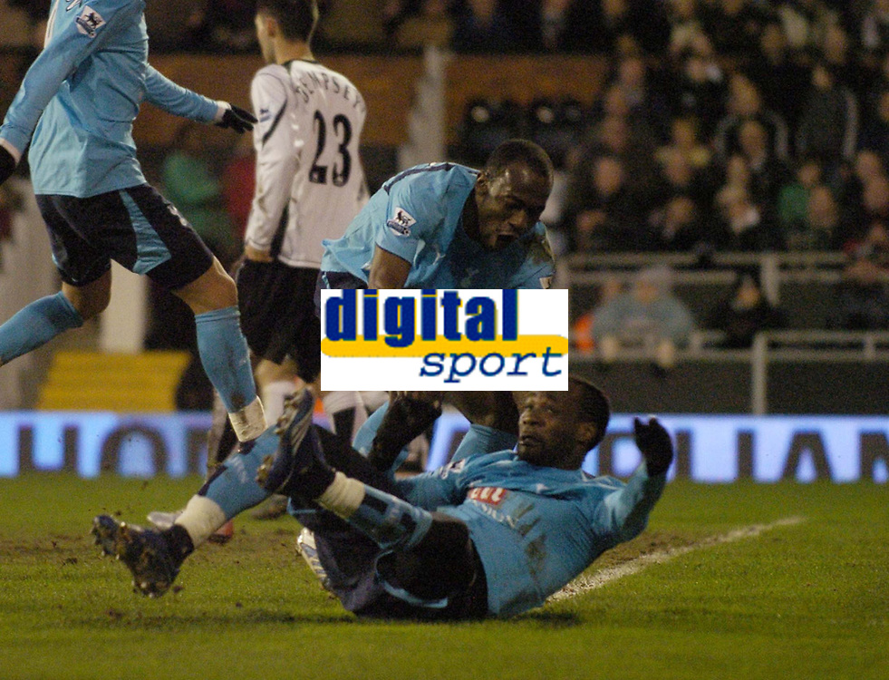 Photo: Olly Greenwood.<br />Fulham v Tottenham Hotspur. The Barclays Premiership. 20/01/2007. Tottenham's Pascal Chimbonda celebrates scoring with Didier Zokora