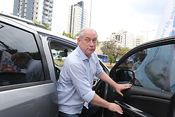 October 2, 2018 - Sao Paulo, Brazil - The PDT presidential candidate, Ciro Gomes, met with General Motors workers in the city of São Caetano in the state of Sao Paulo. October 2, 2018. (Credit Image: © Fotorua/NurPhoto/ZUMA Press)
