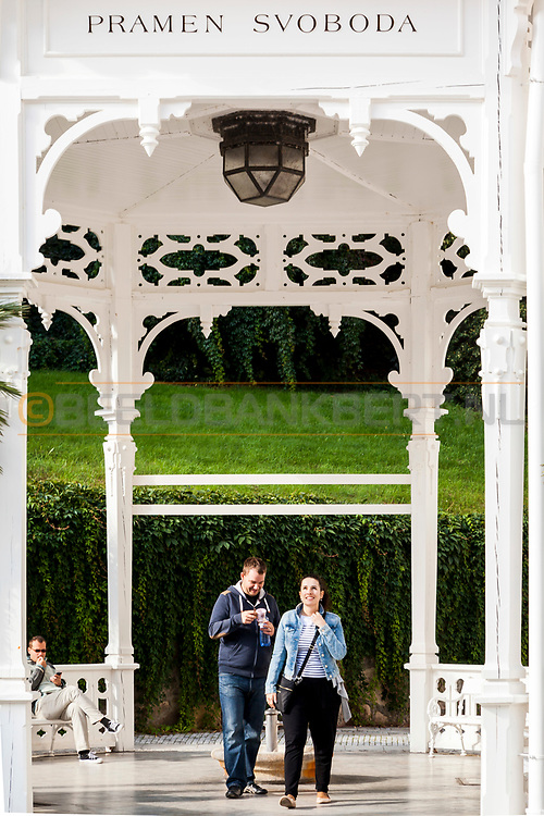 20-09-2015: Stadscentrum in Karlovy Vary (Karlsbad), Tsjechië. Foto: Vind de eeuwige liefde