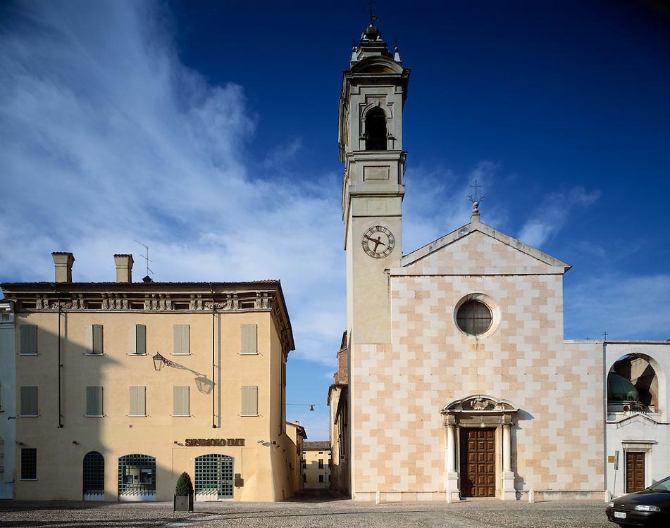Sabbioneta (MN) - La città ideale di Vespasiano Gonzaga - Piazza Ducale - Chiesa di S. Maria Assunta