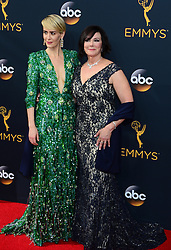 September 18, 2016 - Los Angeles, California, U.S. - SARAH PAULSON, from FX Network's ''The People v. O. J. Simpson: American Crime Story'' and prosecutor MARCIA CLARK arrive to the 68th Primetime Emmy Awards.  (Credit Image: © Michael Owen Baker/Los Angeles Daily News via ZUMA Wire)