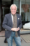 JOHN RENDALL, The Pimlico Road Summer party. London SW1. 9 June 2009