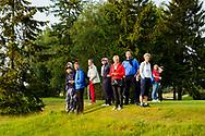 28-05-2016 Foto's van de kruisfinales in de hoofdklasse van de NGF Competitie 2016.<br /> Foto: Publiek volgt de bal. Genomen tijdens Finaleweekend NGF Hoofdklasse 2016 bij Goyer Golf & Country Club in Eemnes, Nederland.