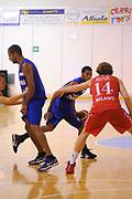 DESCRIZIONE : Borgosesia Torneo di Varallo Lega A 2011-12 EA7 Emporio Armani Milano Novipiu Casale Monferrato<br /> GIOCATORE : Garrett Temple<br /> CATEGORIA :  Palleggio<br /> SQUADRA : Novipiu Casale Monferrato<br /> EVENTO : Campionato Lega A 2011-2012<br /> GARA : EA7 Emporio Armani Milano Novipiu Casale Monferrato<br /> DATA : 10/09/2011<br /> SPORT : Pallacanestro<br /> AUTORE : Agenzia Ciamillo-Castoria/A.Dealberto<br /> Galleria : Lega Basket A 2011-2012<br /> Fotonotizia : Borgosesia Torneo di Varallo Lega A 2011-12 EA7 Emporio Armani Milano Novipiu Casale Monferrato<br /> Predefinita :