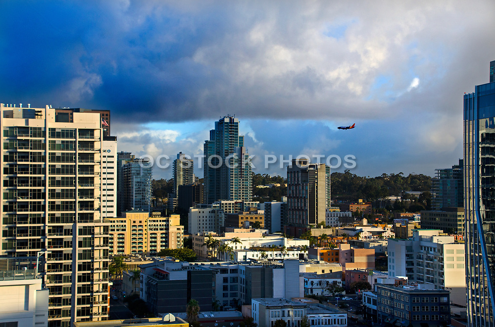 Southwest Airlines Flying into Downtown San Diego