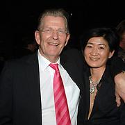 """NLD/Amsterdam/20060215 - Presentatie nieuw boek Heleen van Royen """"de Ontsnapping"""", Foreign media Group directeur Arjen Terpstra en partner"""
