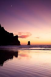 Crescent moon, sunset, light beams, reflection, low tide, Beach, Morro Bay, California