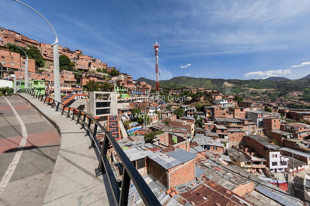 Colombie, Antioquia, Medellin, hauteurs du quartier de la Comuna 13 // Colombia, Antioquia, Medellin, up side of Comuna 13