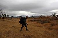 på tur med ryggsekk, walking with ruksack