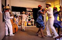 Cuba, Santiago de Cuba, Ecole de danse traditionelle, Conjunto folklorico Cutumba,  musique. // Cuba, Santiago de Cuba, traditional school dance,  Conjunto folklorico Cutumba
