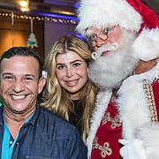 NLD/Amsterdam/20191206 - Sky Radio's Christmas Tree For Charity 2019, Najib Amhali met Estelle Cruijff en de kerstman