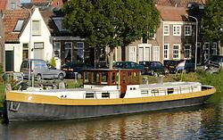 Schepen, boten en vaartuigen, ships, boats and vessels