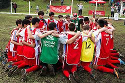 Lance da partida entre Projeto Conquista x GAT São Leopoldo válida pela Copa Coca-Cola 2013 no Parque Floresta Imperial em Novo Hamburgo. Foto: Vinícius Costa/ Agência Preview