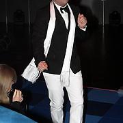 NLD/Hilversum/20080301 - Finale Idols 2008, Gordon Heuckeroth dansend