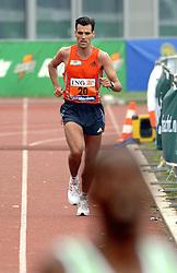 15-10-2006 ATLETIEK: MARATHON AMSTERDAM: AMSTERDAM<br /> De beste Nederlander Koen Raymaekers<br /> ©2006: WWW.FOTOHOOGENDOORN.NL
