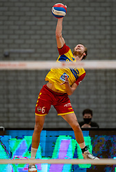 Nico Manenschijn of Dynamo in action during the cup final between Amysoft Lycurgus vs. Draisma Dynamo on April 18, 2021 in sports hall Alfa College in Groningen