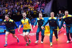 May 4, 2018 - Halmstad, Sverige - 180504 Sveriges lag jublar efter segern i kvartsfinalen mot England under dag 6 av Lag-VM i bordtennis den 4 maj 2018 i Halmstad  (Credit Image: © Daniel Stiller/Bildbyran via ZUMA Press)