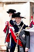 """Koning Willem Alexander wordt door Hare Majesteit Koningin Elizabeth II geïnstalleerd in de 'Most Noble Order of the Garter'. Tijdens een jaarlijkse ceremonie in St. Georgekapel, Windsor Castle, wordt hij geïnstalleerd als 'Supernumerary Knight of the Garter'.<br /> <br /> King Willem Alexander is installed by Her Majesty Queen Elizabeth II in the """"Most Noble Order of the Garter"""". During an annual ceremony in St. George's Chapel, Windsor Castle, he is installed as """"Supernumerary Knight of the Garter"""".<br /> <br /> Op de foto / On the photo: Hertog William van Cambridge / Duke William van Cambridge"""