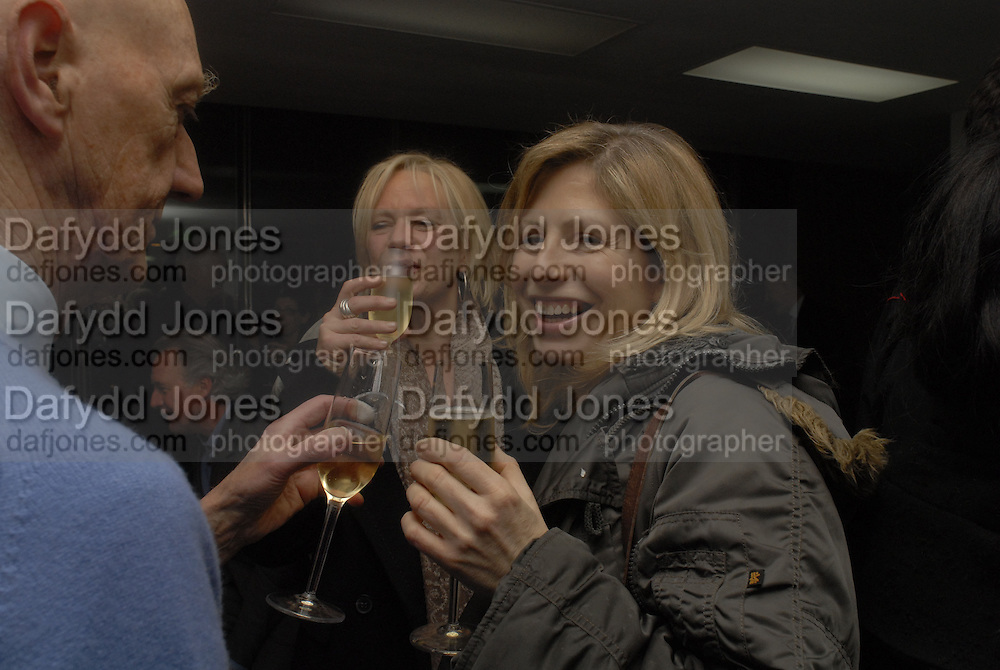 Allen Jones, Louisa Buck and Cathy de Moncheaux. Liza Lou exhibition. White Cube, Hoxton sq. London. 2 March 2006. ONE TIME USE ONLY - DO NOT ARCHIVE  © Copyright Photograph by Dafydd Jones 66 Stockwell Park Rd. London SW9 0DA Tel 020 7733 0108 www.dafjones.com