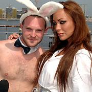 NLD/Amsterdam/20070610 - Presentatie Playboy's Playmates Collectors Special Edition, TMF presentator Damien Rice met sidechick en playmate Dorien Rose Duinker