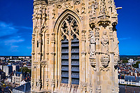 France, Nièvre (58), Nevers, cathédrale Saint-Cyr-et-Sainte-Julitte sur le chemin de Saint-jacques de Compostelle, val de Loire // France, Nièvre (58), Nevers, Saint-Cyr-et-Sainte-Julitte cathedral on the way to Saint-Jacques de Compostelle, Loire valley