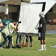 9/22/11 --- SPORTS SHOOTER ACADEMY VIII --- FULLERTON, CA: SSA Instructor Tim Mantoani helps a workshoppers during a portrait shoot at Cal State Fullerton. Behind the Scenes with the cast and crew of Sports Shooter Academy.