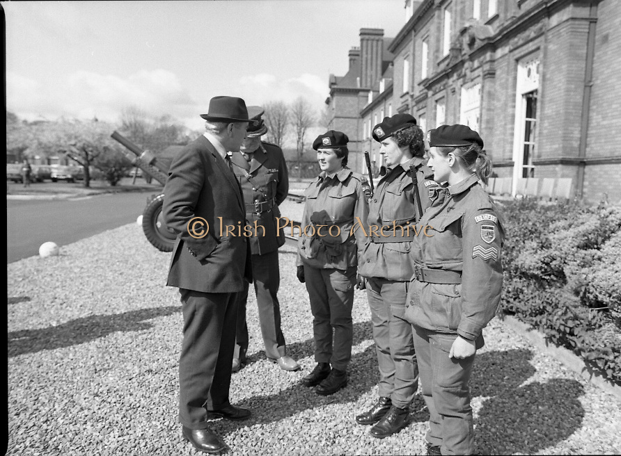1983-04-12.12th April 1983.12-04-1983.04-12-83..Photographed at McKee Barracks, Cork..Chatting With the Troops..Defence Minister Paddy Cooney TD chats with female troops.