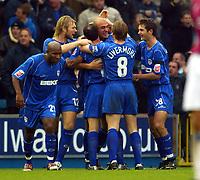 Fotball<br /> England 2004/2005<br /> Foto: BPI/Digitalsport<br /> NORWAY ONLY<br /> <br /> Millwall v West Ham United<br /> Coca Cola Championship. 21/11/2004.<br /> <br /> Match winner Danny Dichio celebrates with team-mates