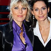 NLD/Amsterdam/20100830 - premiere van Vreemd Bloed, Joke de Kruijff en Pia Douwes