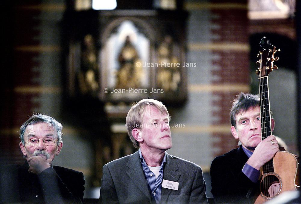 Nederland, Amsterdam , 29 december 2009..John Jansen van Galen, Eddy Reefhuis en Huub van der Lubbe tijdens het Eindejaarsrequiem 2009 in de Dominicuskerk..Foto:Jean-Pierre Jans