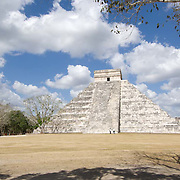 Temple of Kukulcan in Chichen Itza. Yucatan, Mexico.