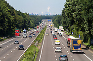 Europa, Deutschland, Nordrhein-Westfalen, Roesrath, Verkehr auf der Autobahn A3 bei Roesrath Fahrtrichtung Koeln. - <br /> <br /> Europe, Germany, North Rhine-Westphalia, Roesrath, traffic on the autobahn A 3 near Roesrath in direction Cologne.