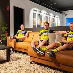 26-02-2020: Wielrennen: AWV de Zwaluwen: Vriezenveen <br />Fotoimpressie presentatie AWV de Zwaluwen en OWC wielerteams