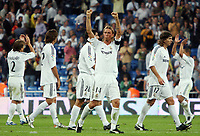 Real Madrid's Guti acknowledges the crowd along teammates after Spanish League game between Real Madrid and Athletico de Bilbao in Santiago Bernabeu stadium in Madrid, Spain, Thursday 22 September, 2005. (Photo / Alvaro Hernandez)